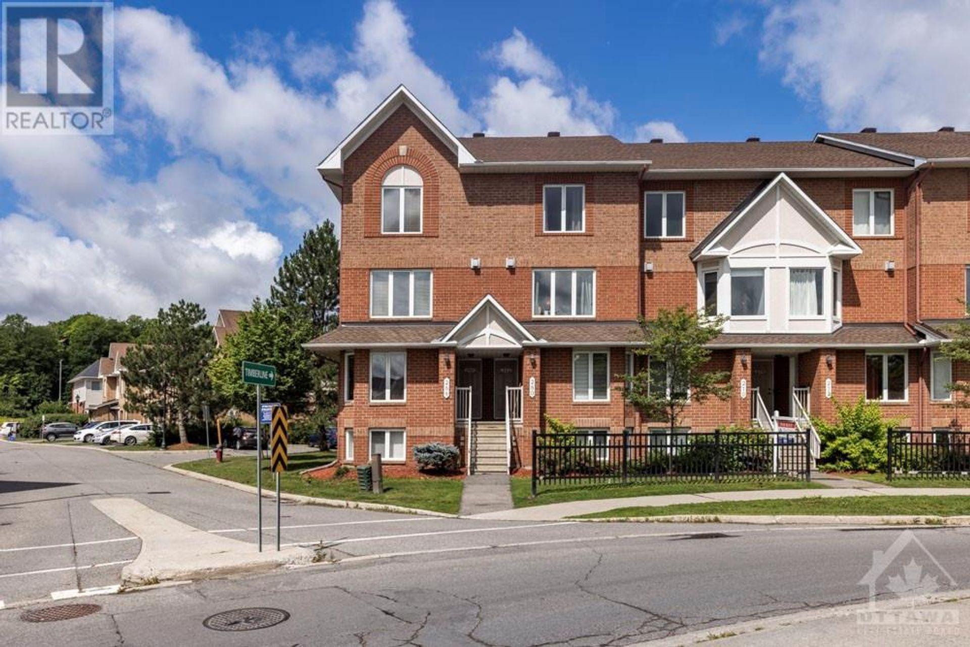 286 Cresthaven Drive, Barrhaven, Ottawa