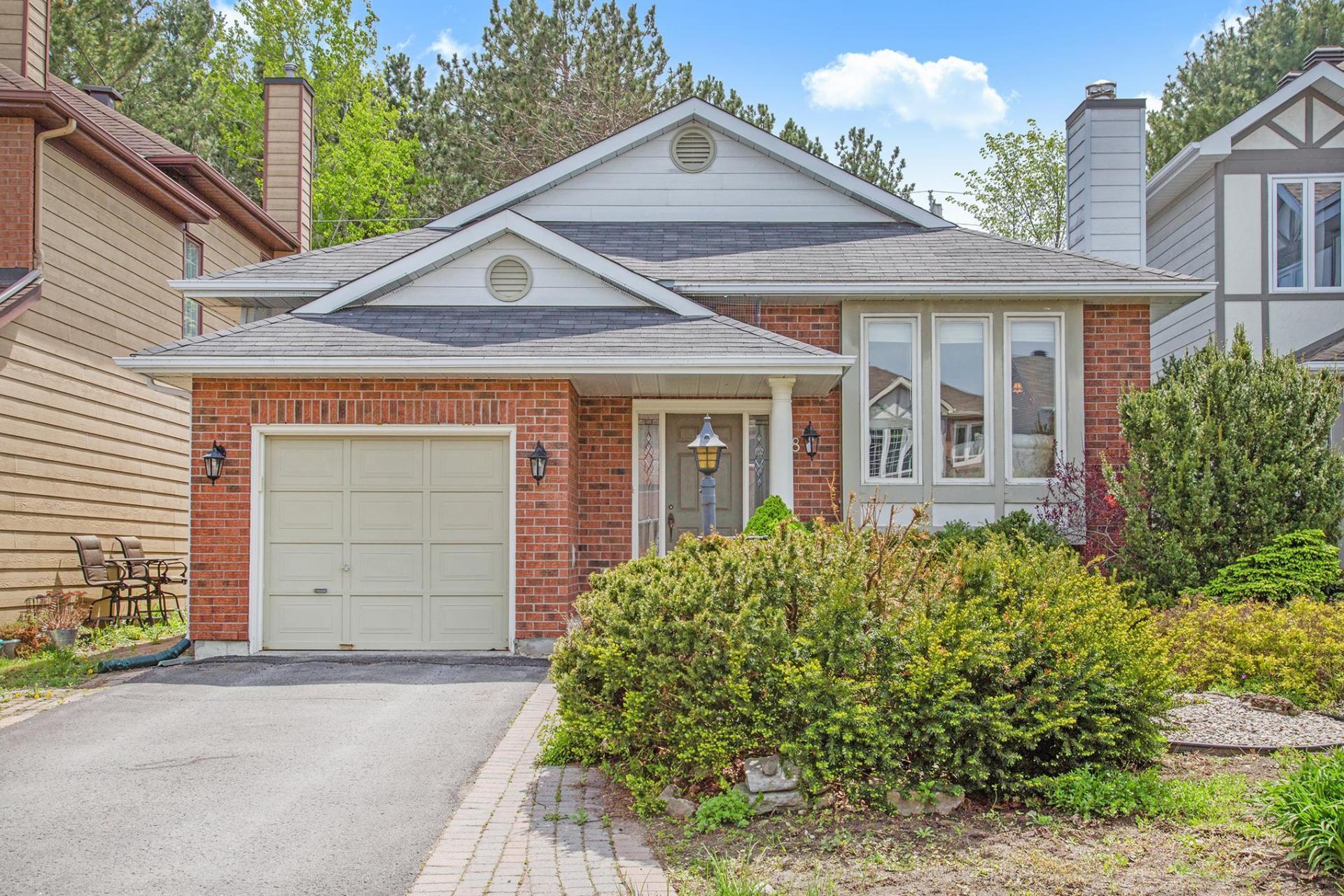 48 Forestview Crescent, Bells Corners, Ottawa