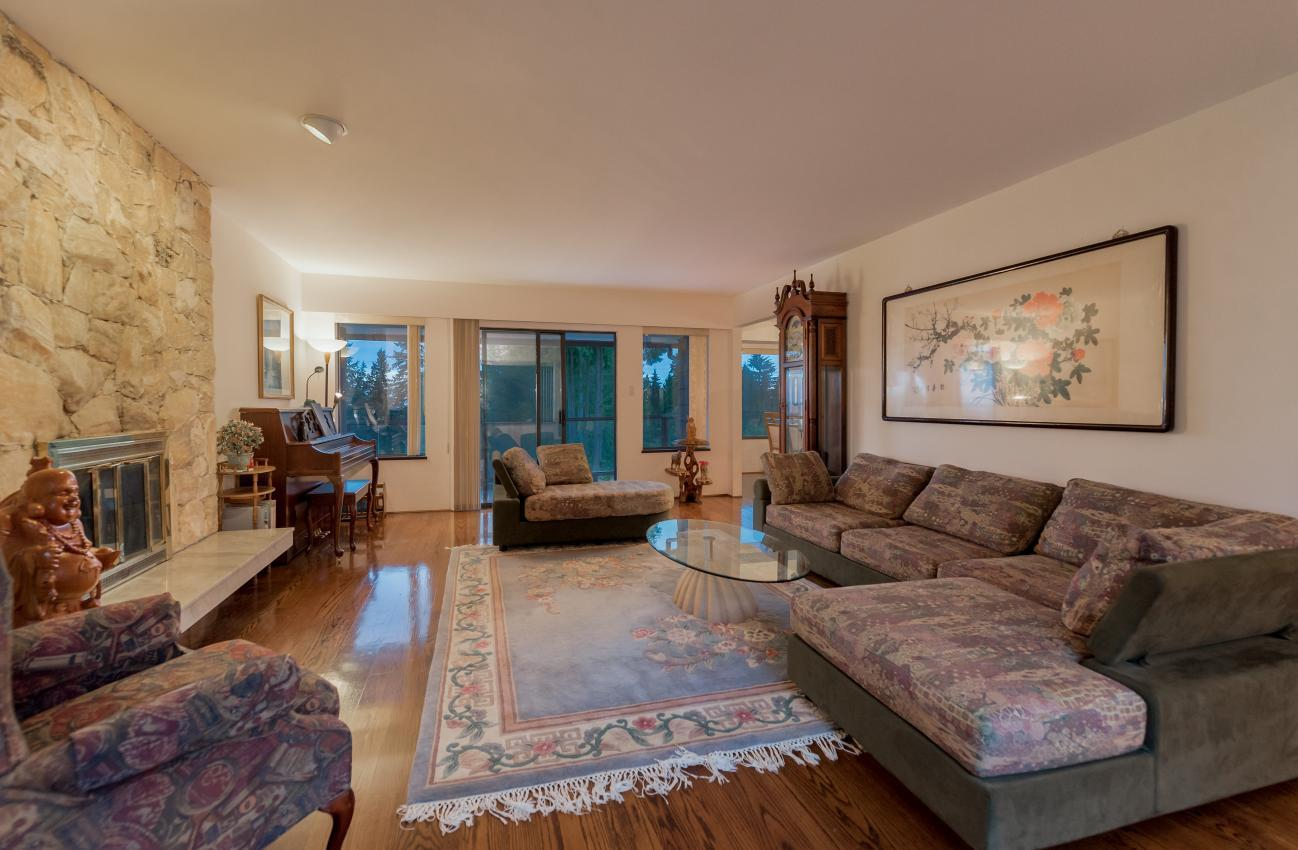 Living Room at 1380 Cammeray Road, Chartwell, West Vancouver