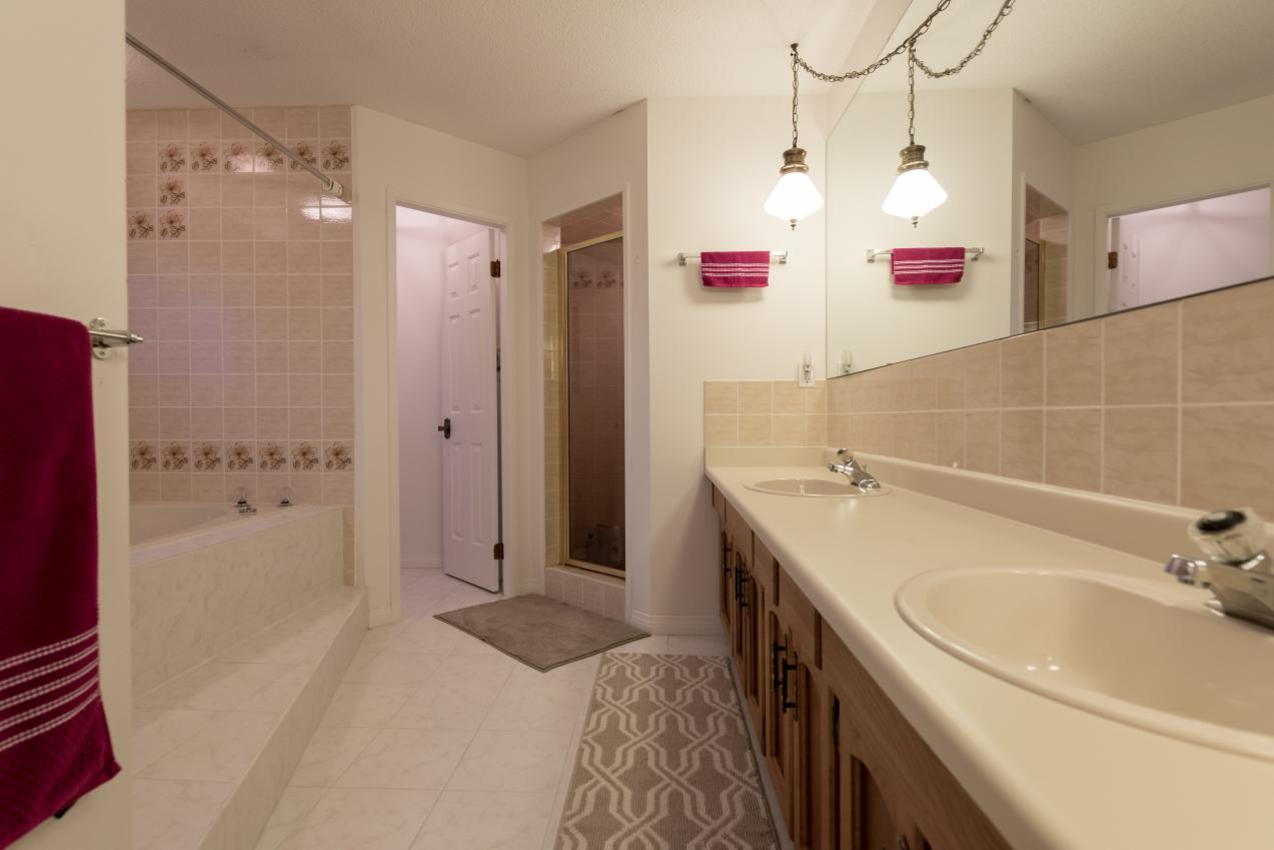 Master Bathroom at 1380 Cammeray Road, Chartwell, West Vancouver