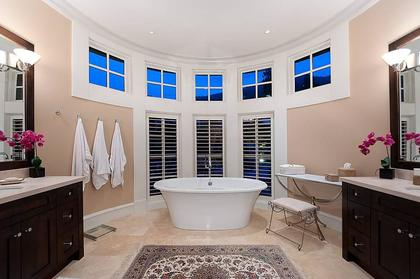 Master Bathroom at 3260 Mathers Avenue, Westmount WV, West Vancouver