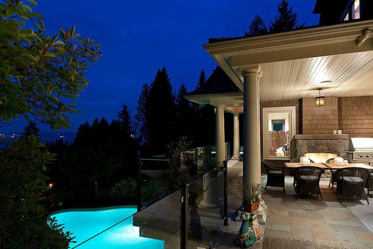 Covered Patio at 3260 Mathers Avenue, Westmount WV, West Vancouver