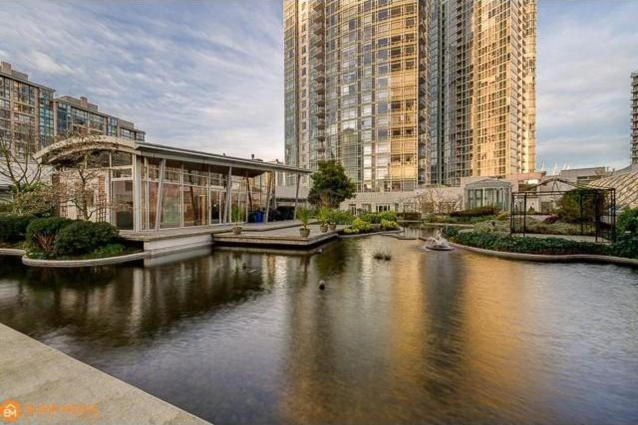 Outdoor Lagoon at 3107 - 1199 Marinaside Crescent, Yaletown, Vancouver West