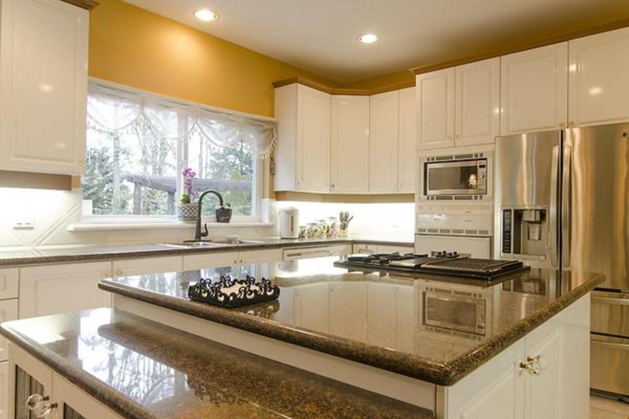 Kitchen at 1559 Topaz Court, Westwood Plateau, Coquitlam