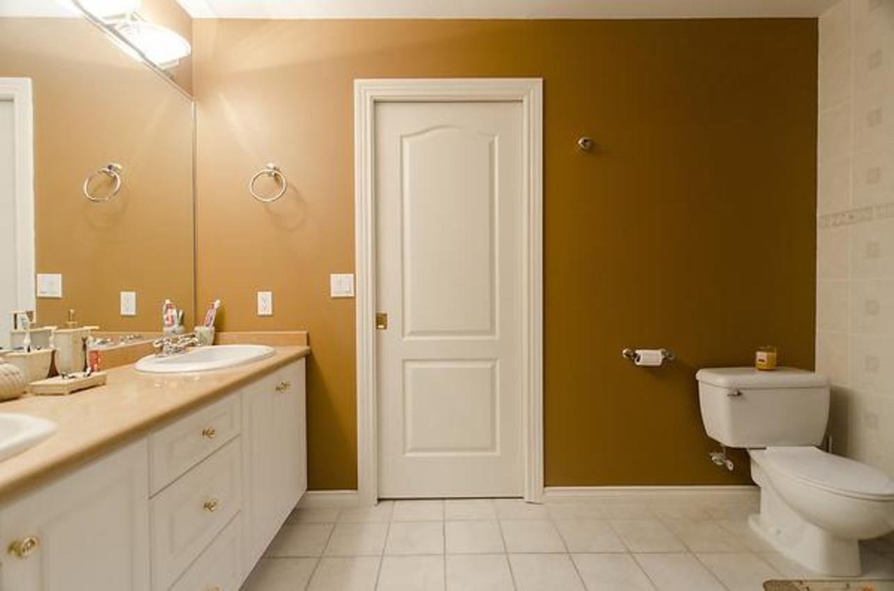 Bathroom at 1559 Topaz Court, Westwood Plateau, Coquitlam