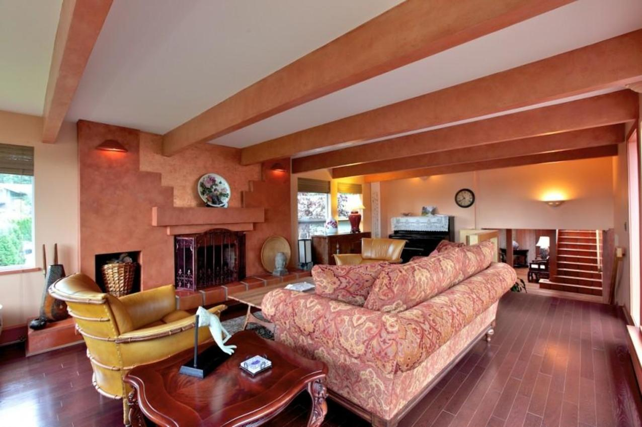 Living Room at 2927 Altamont Crescent, Altamont, West Vancouver