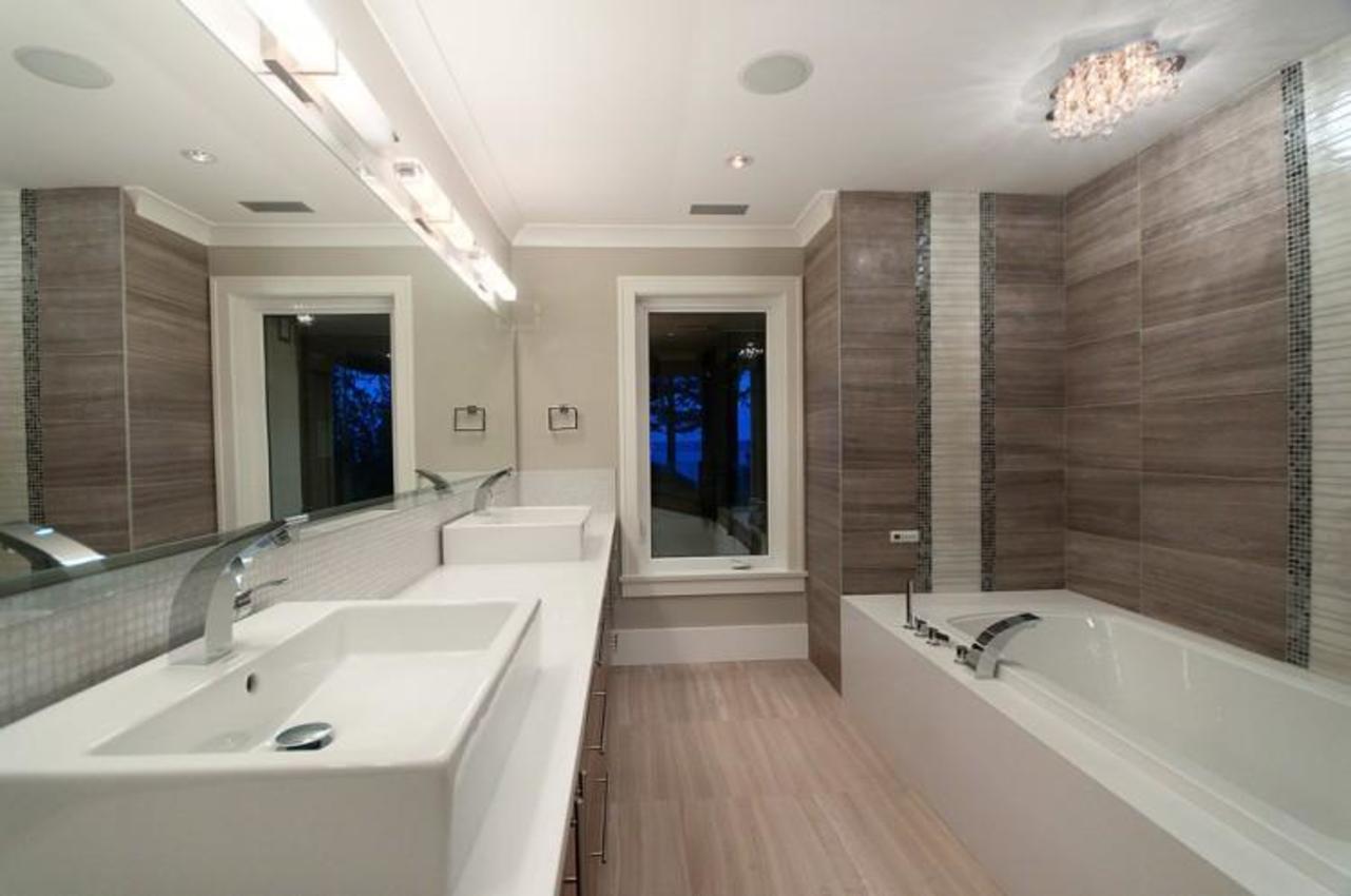 Master Bathroom at 3375 Craigend Road, Westmount WV, West Vancouver