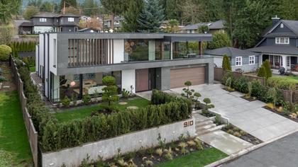 at 910 Leovista Avenue, Edgemont, North Vancouver