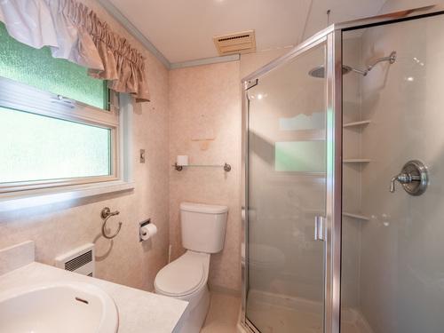 8-master-bathroompg9d7205-hdr at 4247 Francis Peninsula Road, Pender Harbour Egmont, Sunshine Coast