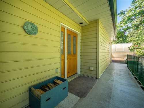 5014-francis-peninsula-road-pender-harbour-egmont-sunshine-coast-02-1 at 5014 Francis Peninsula Road, Pender Harbour Egmont, Sunshine Coast