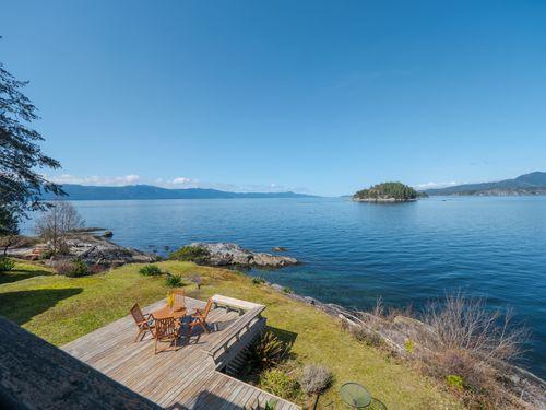 deck at 3941 Francis Peninsula Road, Pender Harbour Egmont, Sunshine Coast