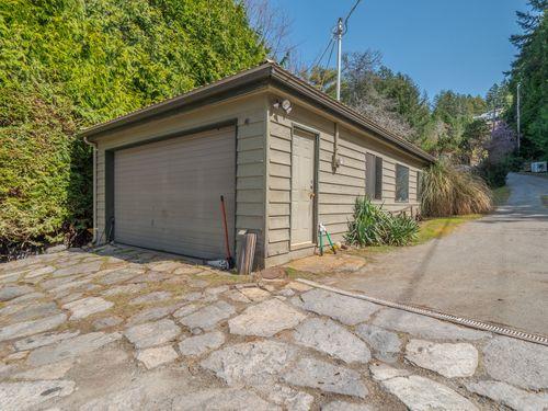 detacehd-garage at 3941 Francis Peninsula Road, Pender Harbour Egmont, Sunshine Coast
