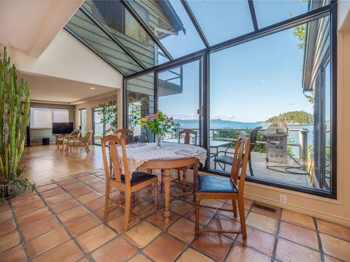 dining at 3941 Francis Peninsula Road, Pender Harbour Egmont, Sunshine Coast