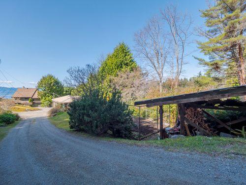 driveway at 3941 Francis Peninsula Road, Pender Harbour Egmont, Sunshine Coast