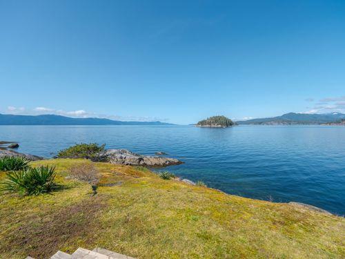 waterfront at 3941 Francis Peninsula Road, Pender Harbour Egmont, Sunshine Coast