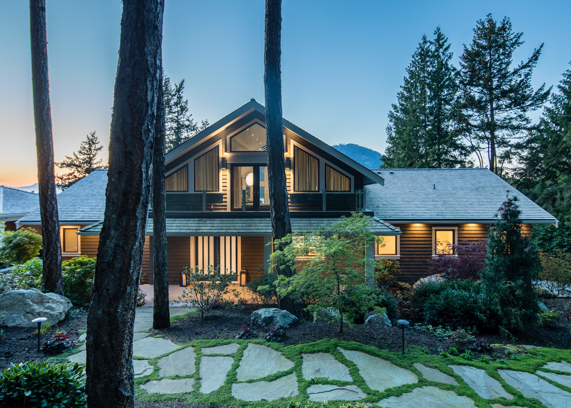 Guest House at 518 Lands End Road, Lands End, North Saanich
