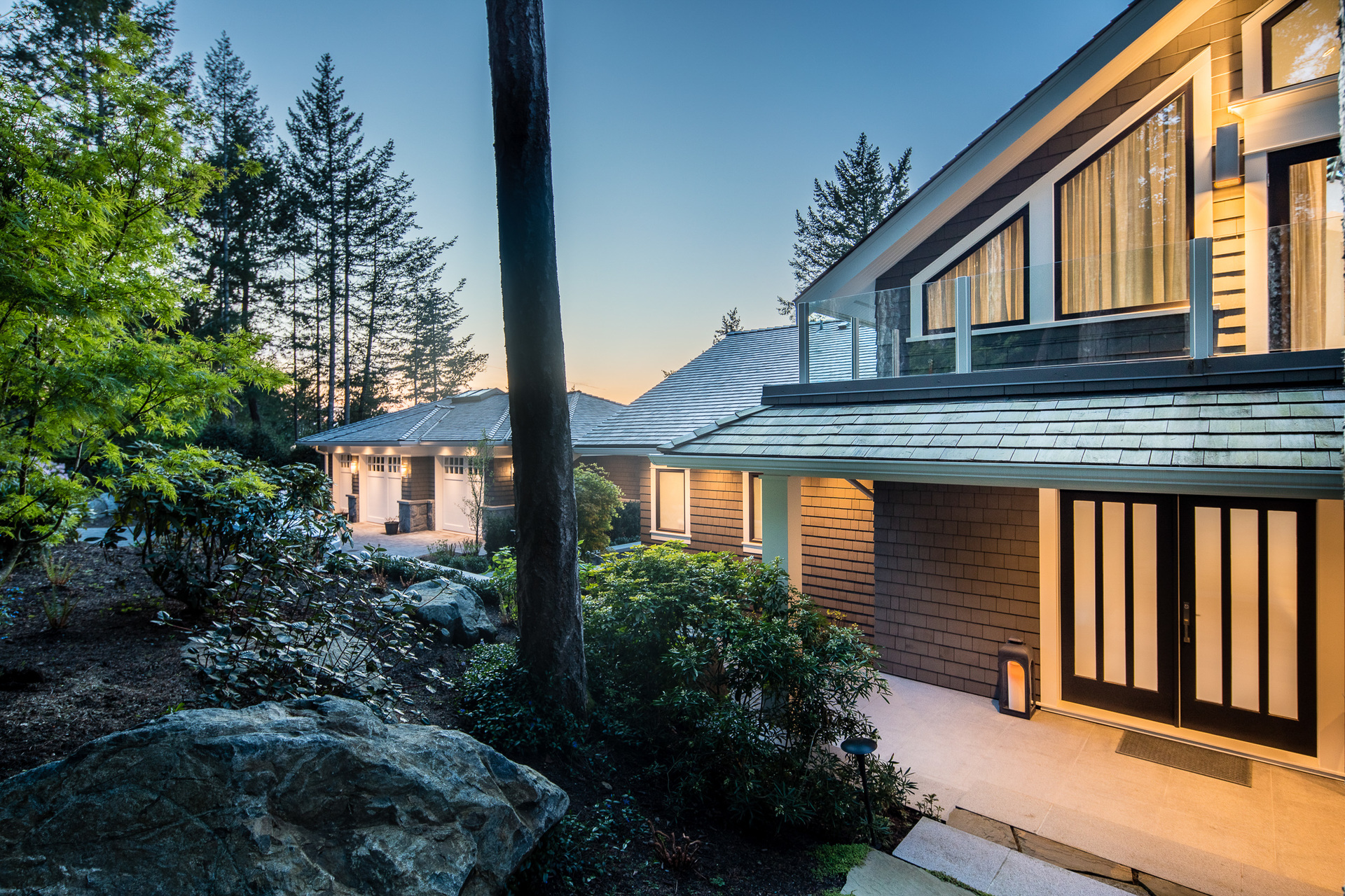 Front Drive at 518 Lands End Road, Lands End, North Saanich