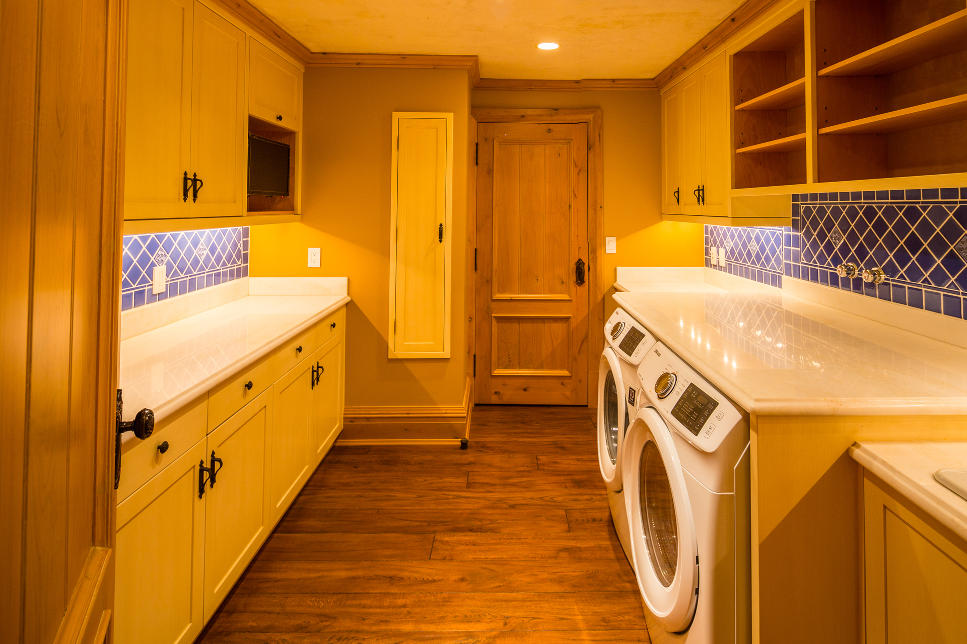 laundry at 9344 Ardmore Drive, Ardmore, North Saanich