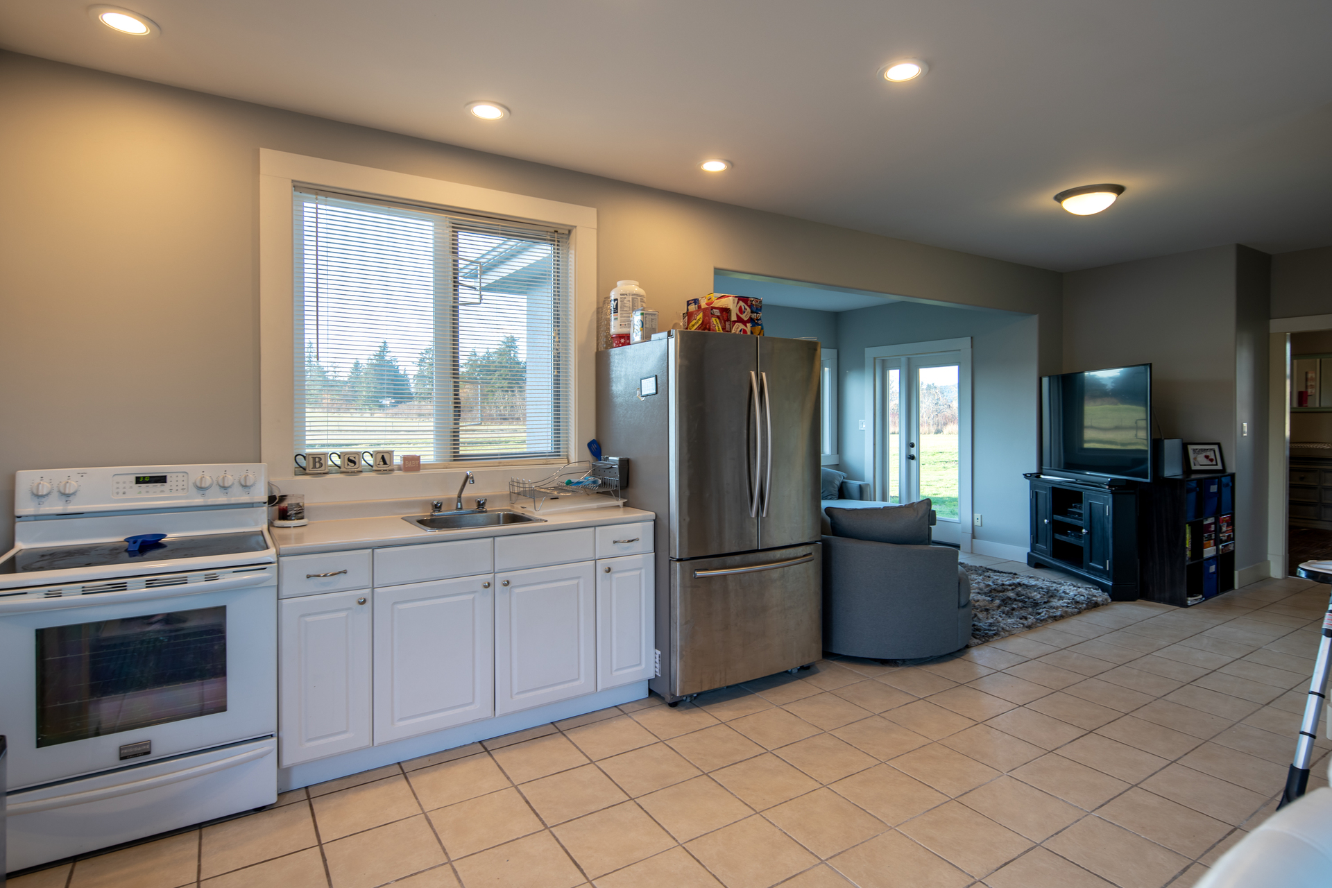 Guest Kitchen at 1950 Highfield Road, Keating, Central Saanich