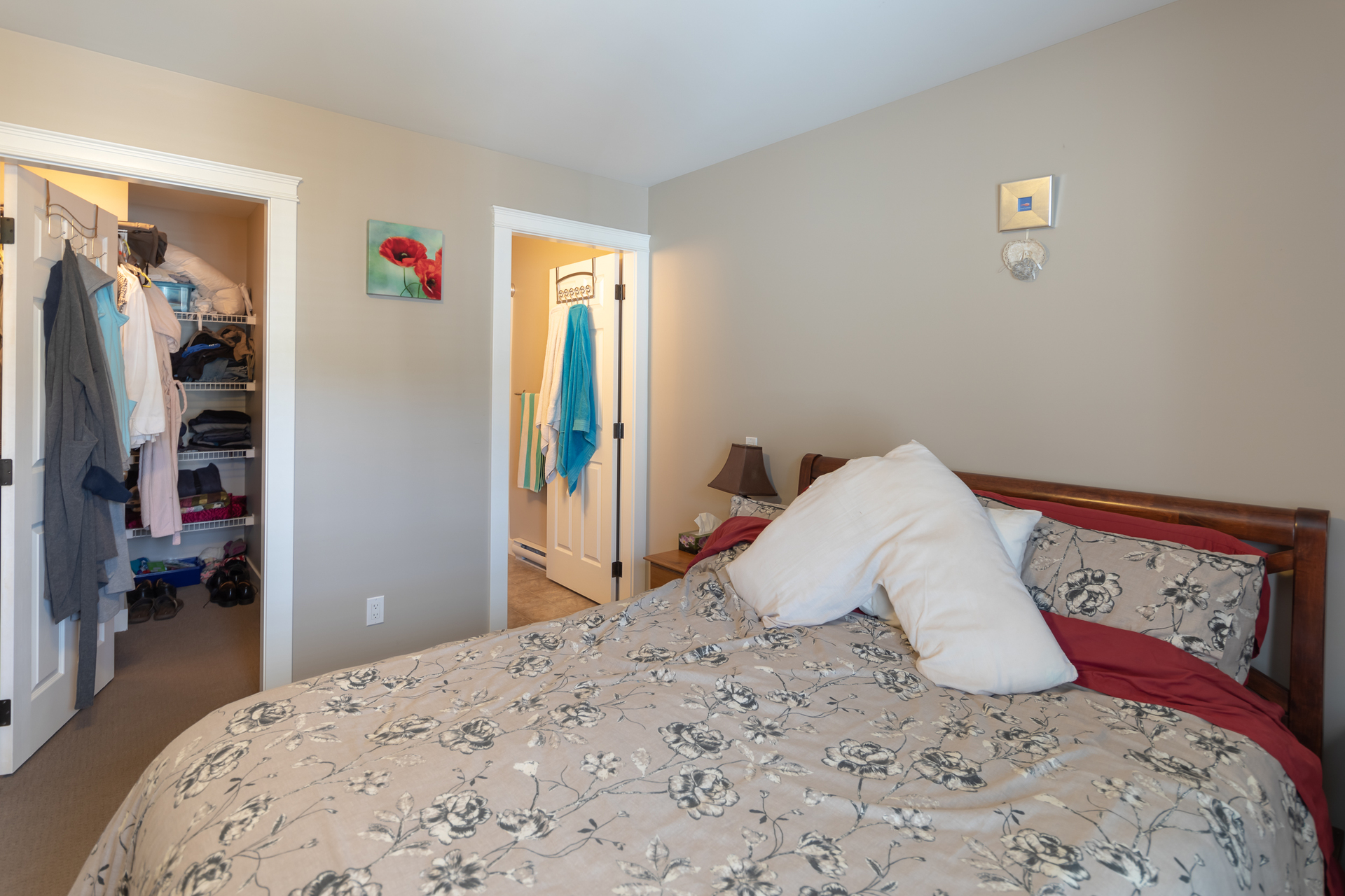 Master Bedroom With Walk-In Closet at 3288 Merlin Road, Happy Valley, Langford