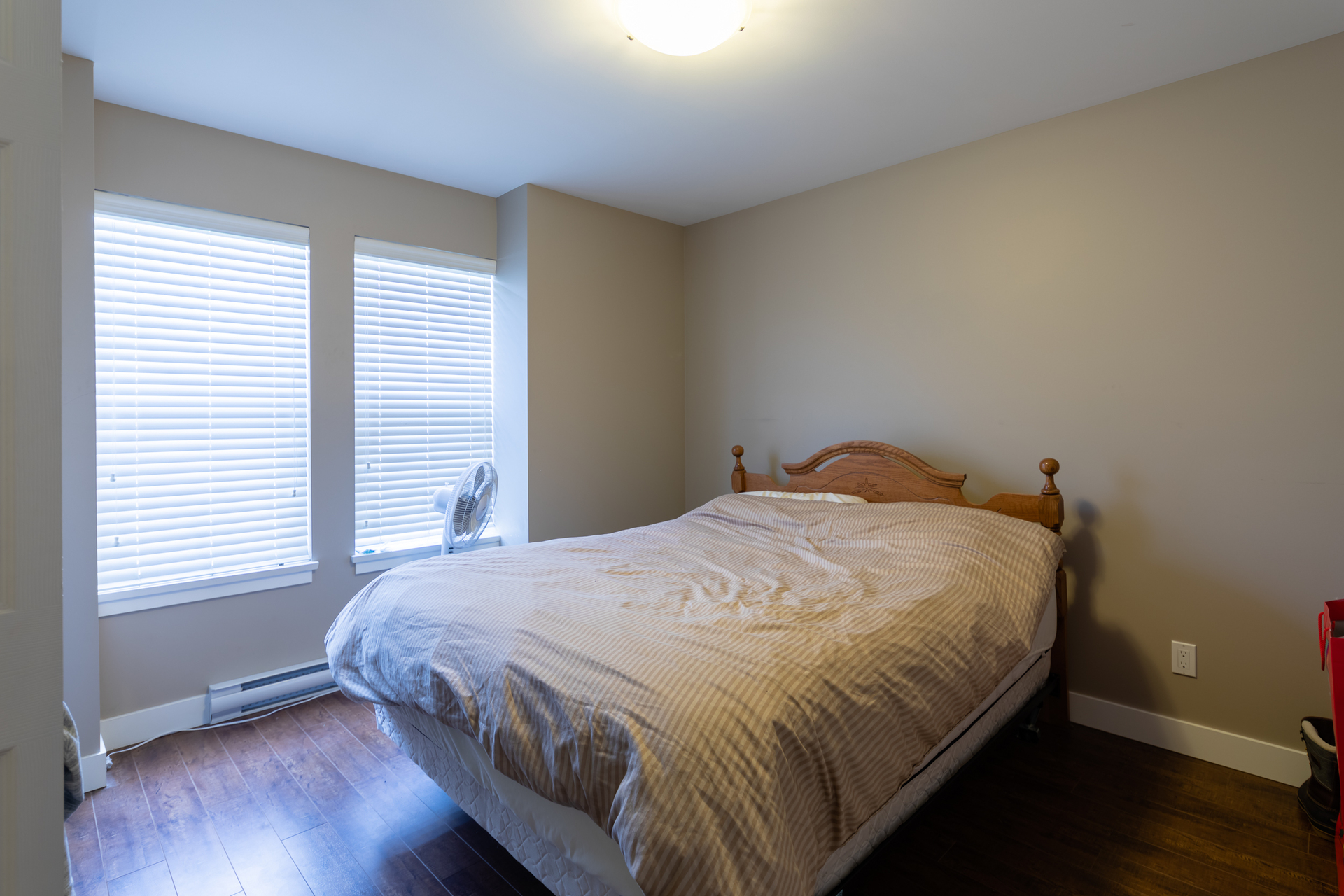 Suite Bedroom at 3288 Merlin Road, Happy Valley, Langford