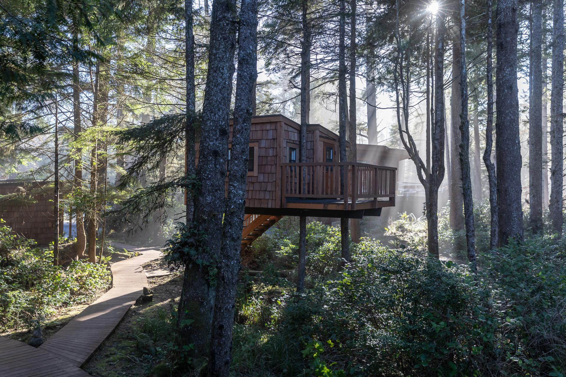 Treehouse at 1277 & 1281 Lynn Road, Tofino Tofino, Vancouver Island