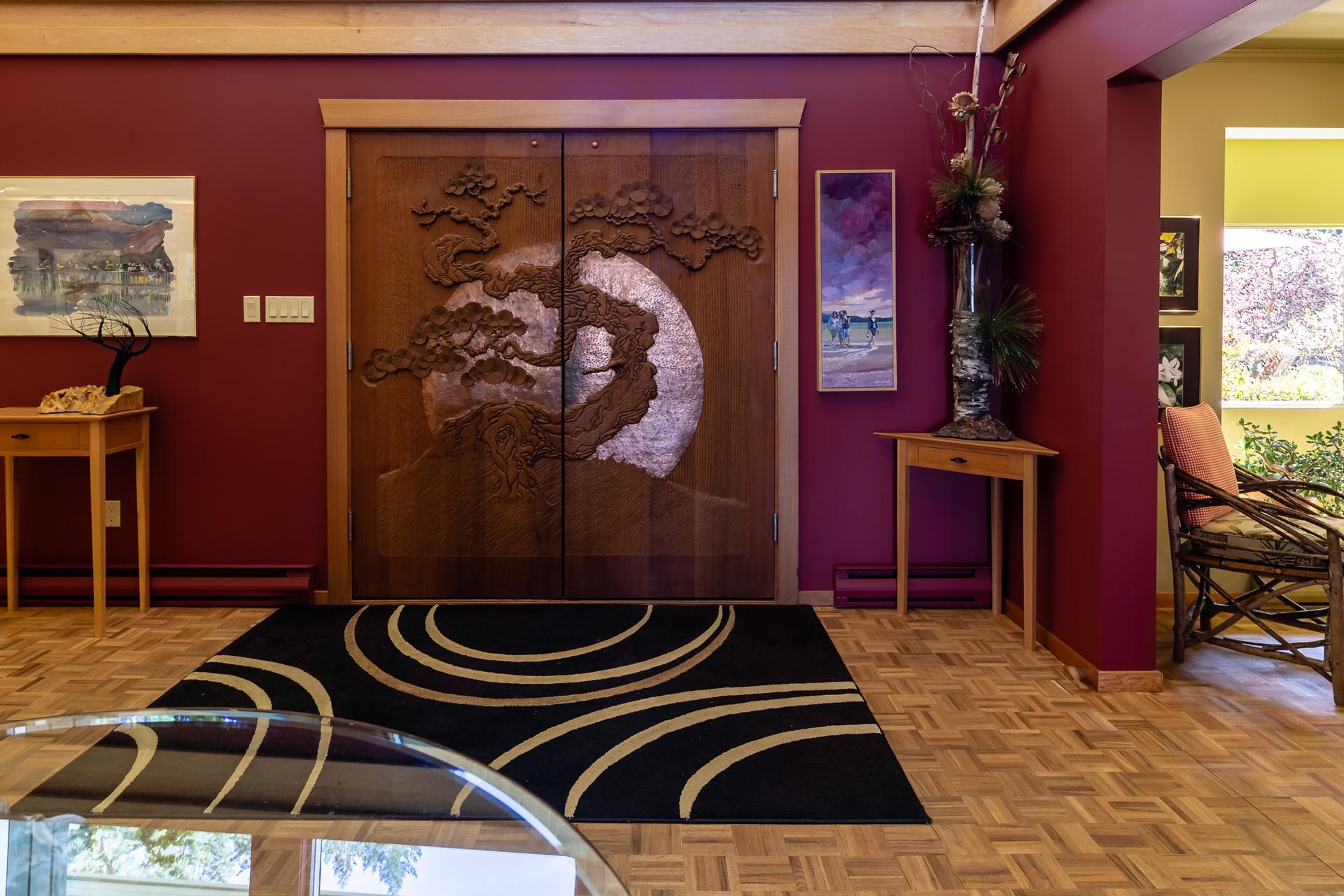 Main Foyer at 5101 Island Highway West, Qualicum Beach, Zone 05 - Parksville/Qualicum