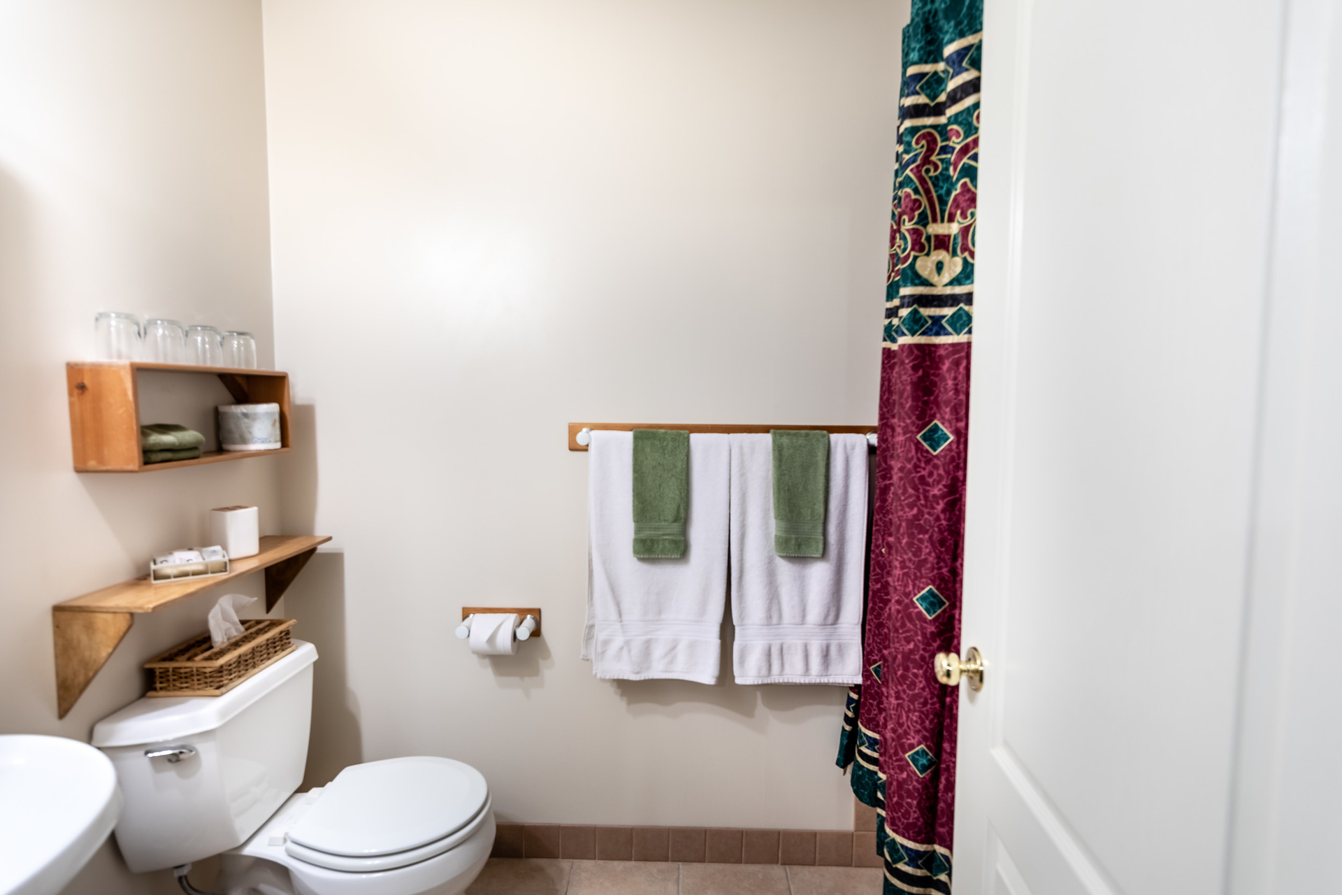 Suite 2 Bathroom at 5895 River Road, Port Alberni, Vancouver Island