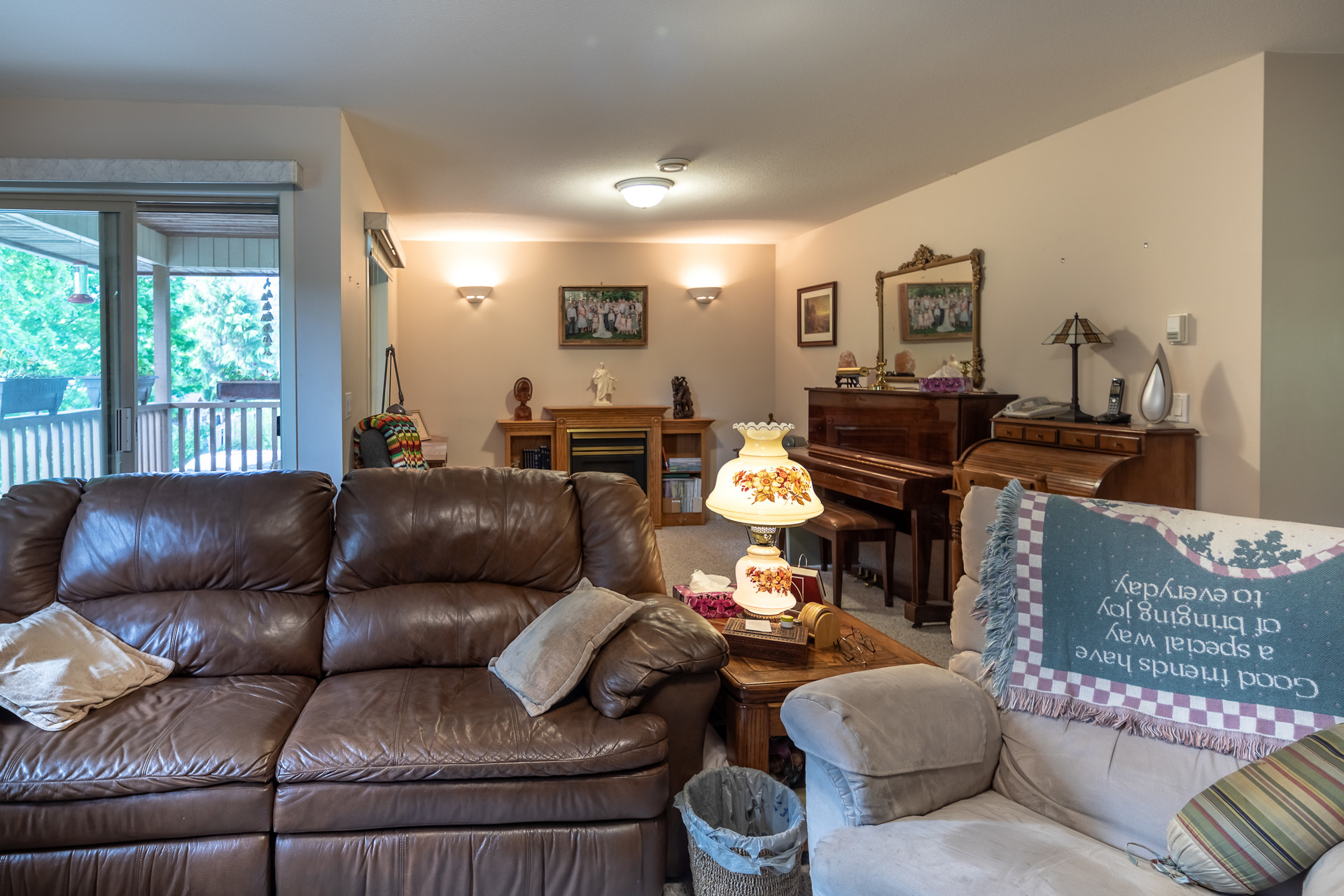 Upper Floor Master Living Room at 5895 River Road, Port Alberni, Vancouver Island