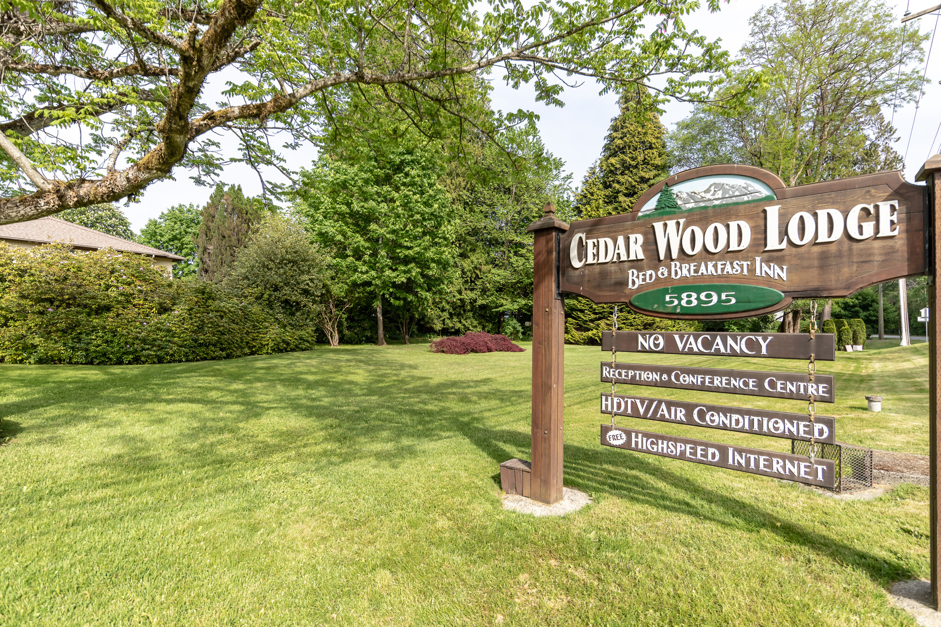 Cedar Wood Lodge at 5895 River Road, Port Alberni, Vancouver Island