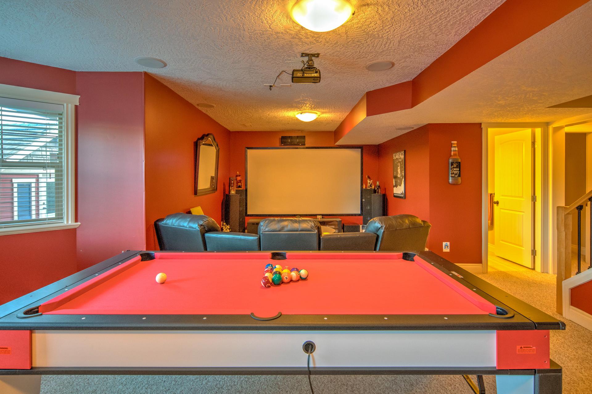 Basement Recreation Room at 2741 Cornerstone Terrace, Mill Hill, Langford