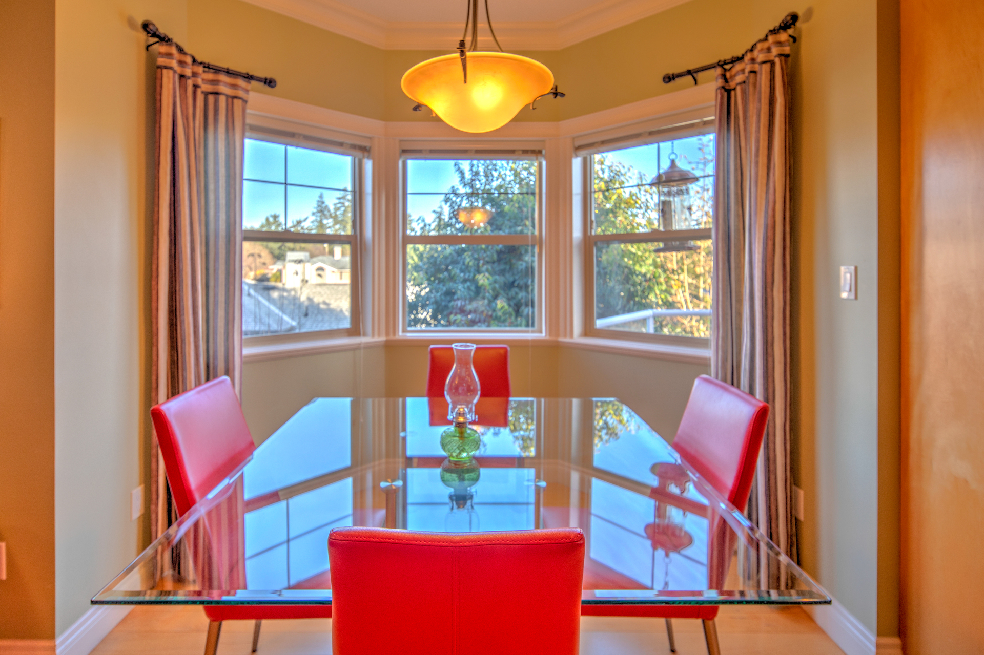 Breakfast Nook With Bay Windows at 2741 Cornerstone Terrace, Mill Hill, Langford