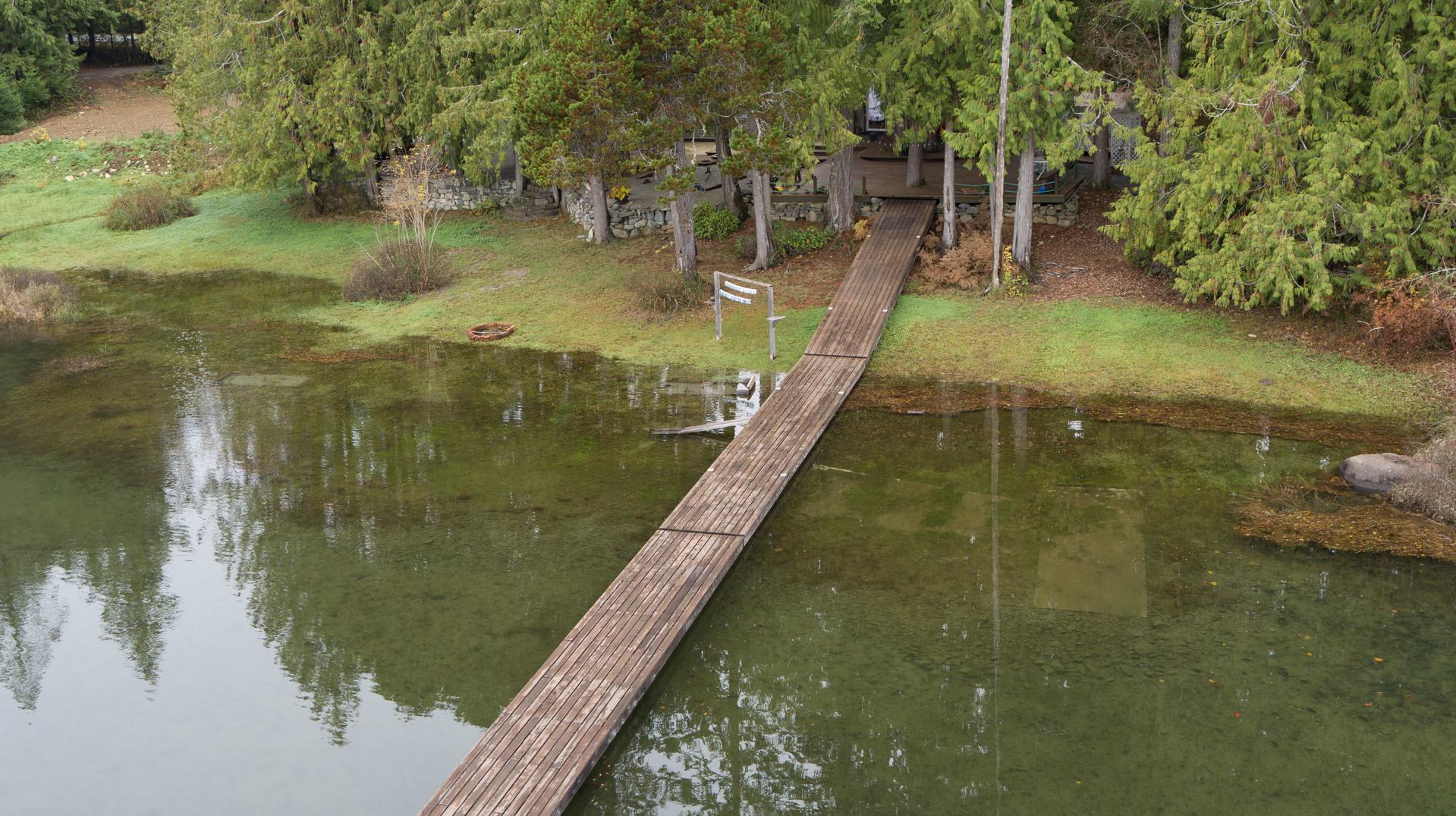 at 10737 Lakeshore Road, Sproat Lake, Zone 06 - Port Alberni
