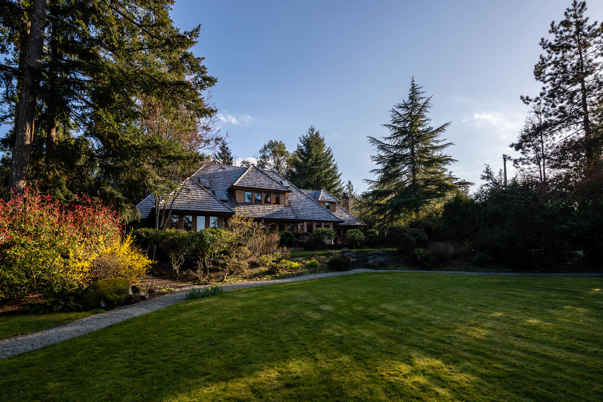 at 10915 Deep Cove Road, Deep Cove, North Saanich