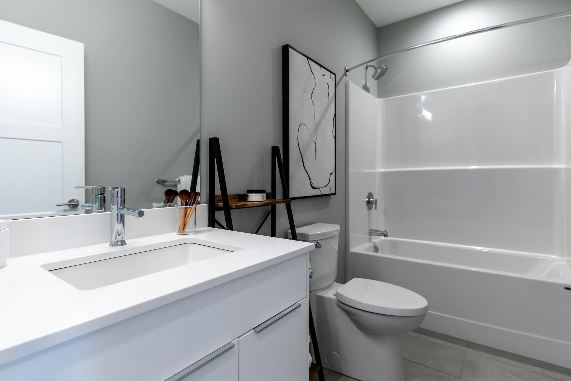 Shared bathroom - 3rd Storey at SL 5 - 623 Crown Isle Boulevard, Crown Isle, Comox Valley