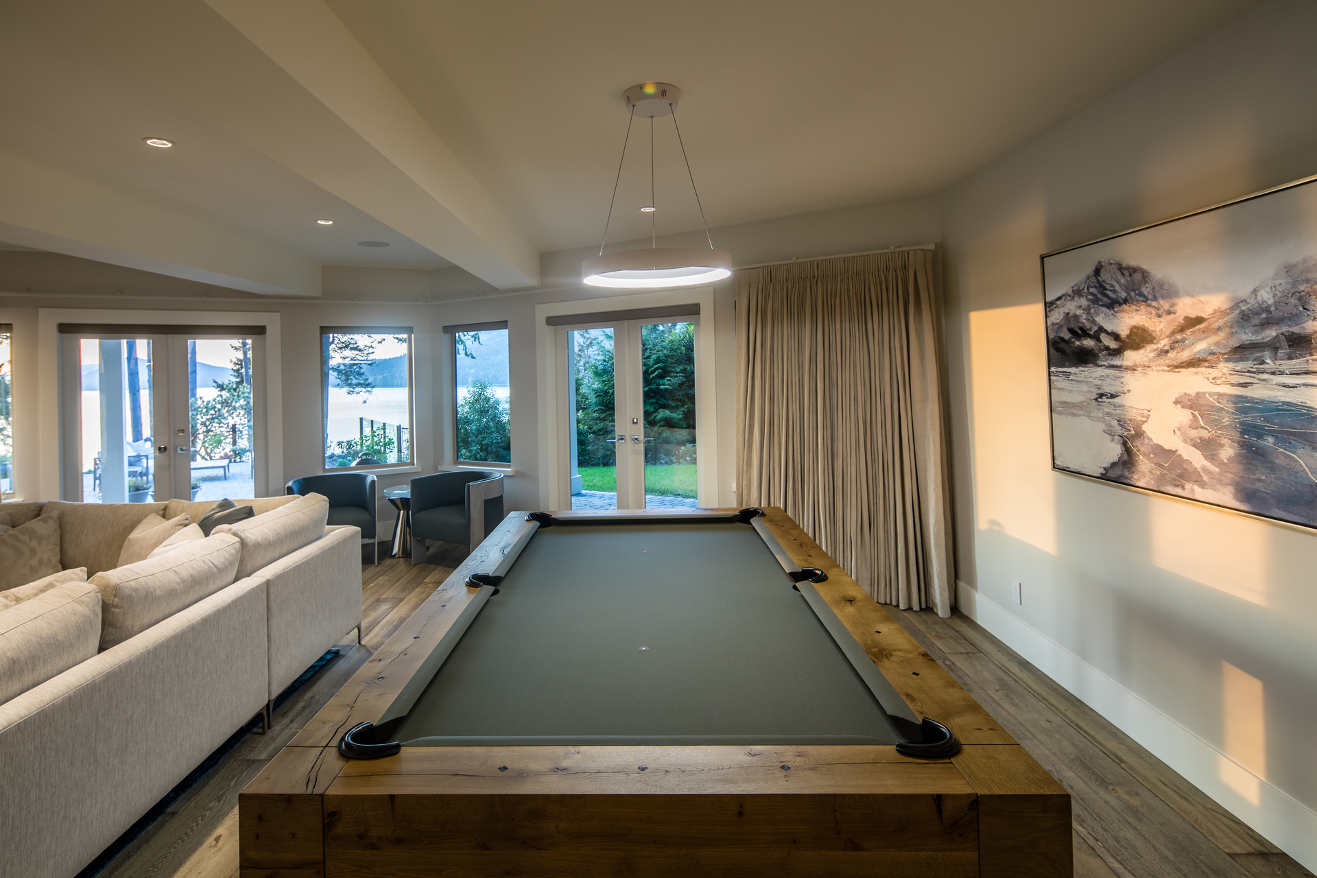 Basement Living Room With Patio Walkout at 518 North Lands End Road, Saanich Saanich, Vancouver Island