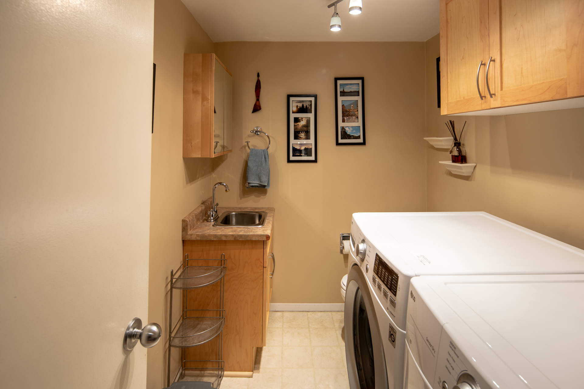 Laundry Room at 1545 North Dairy Road, Oaklands, Victoria Bc Bc,