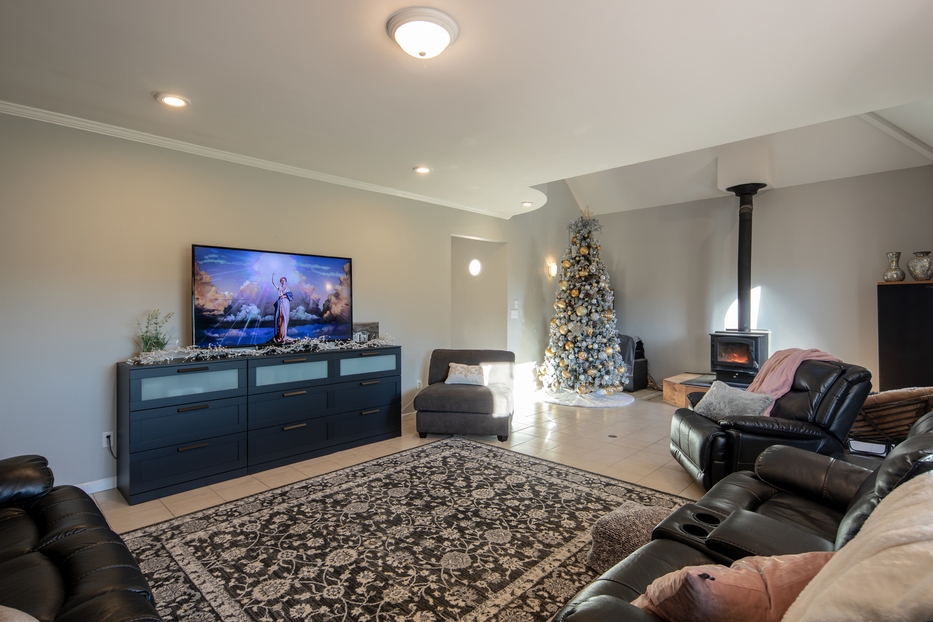 Living Area at 1950 Highfield Road, Central Saanich, Victoria Bc Bc,