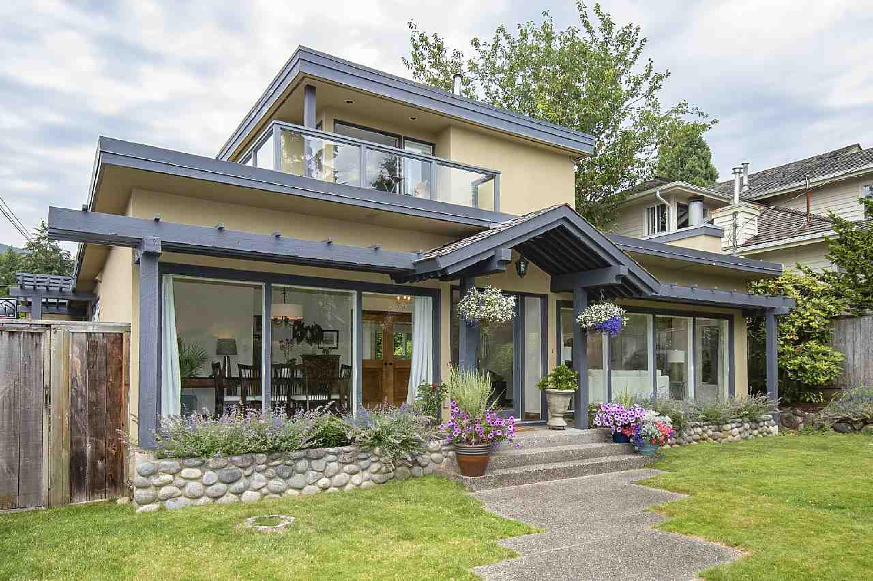 1049 Jefferson Avenue, Sentinel Hill, West Vancouver