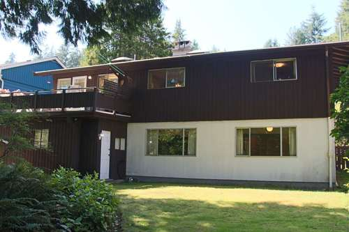 262402378-3 at 2848 Wembley Drive, Westlynn Terrace, North Vancouver