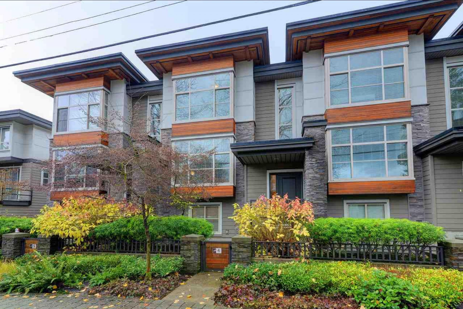 4 - 3025 Baird Road, Lynn Valley, North Vancouver