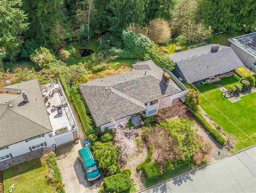 262377853 at 3750 Glenview Crescent, Edgemont, North Vancouver