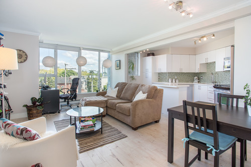 high-5 at 304 - 288 E 8th Avenue, Mount Pleasant VE, Vancouver East