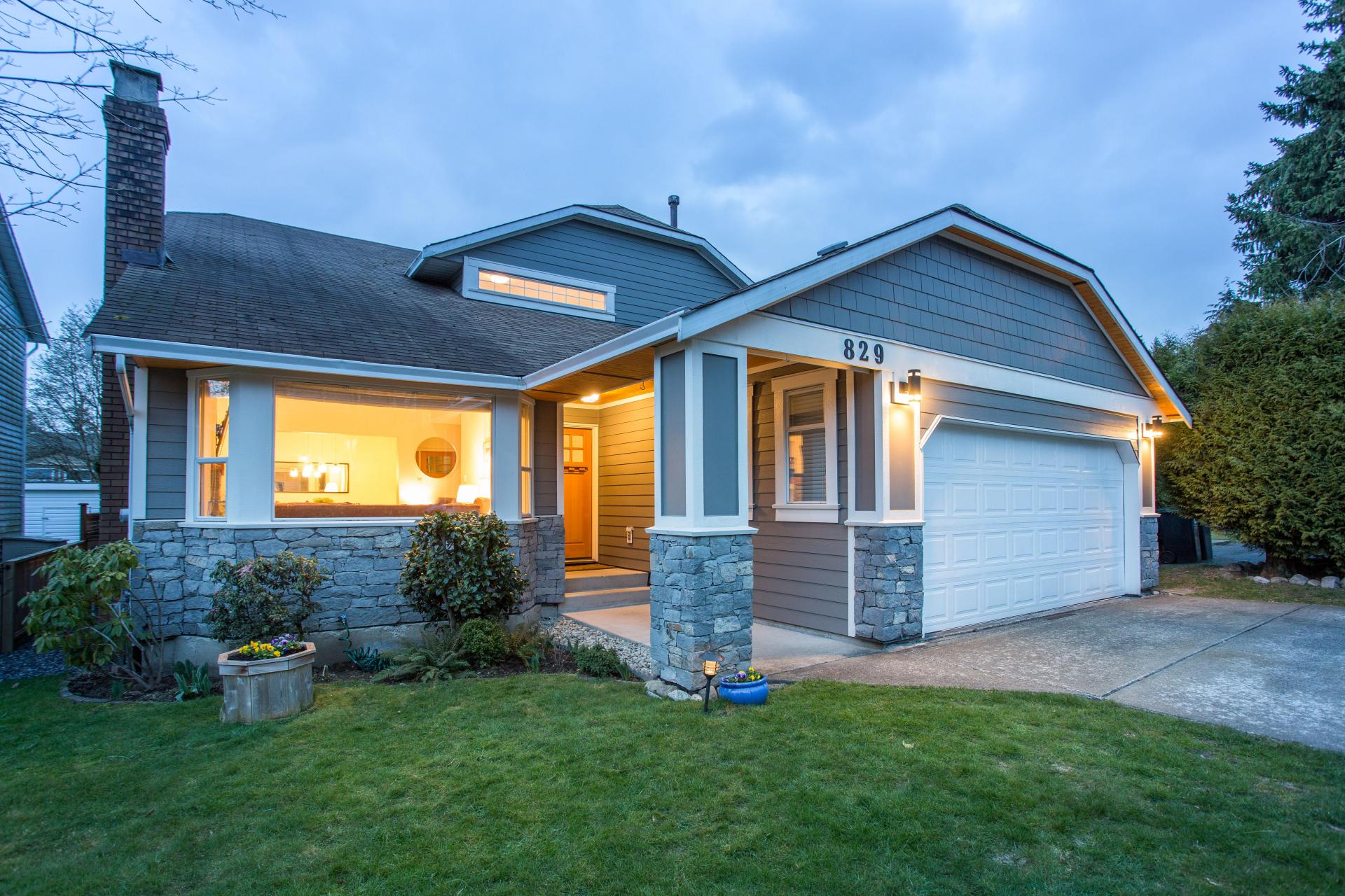 829 Nicolum Court, Roche Point, North Vancouver