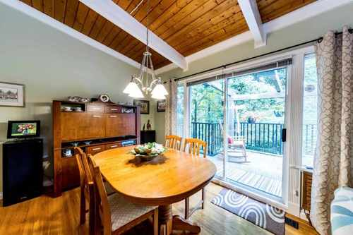 262396941-4 at 3121 Coleman Street, Lynn Valley, North Vancouver