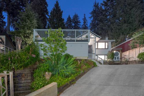 4054-norwood-avenue-360hometours-03 at 4054 Norwood Drive, Upper Delbrook, North Vancouver