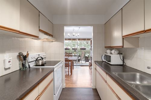 262454587-9 at 316 - 555 West 28th Street, Upper Lonsdale, North Vancouver