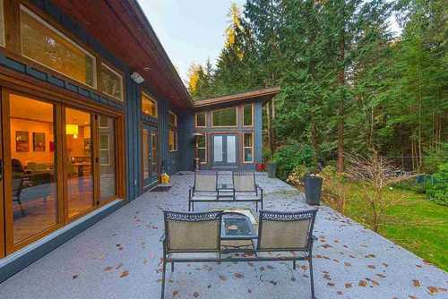 262327027-18 at 927 Hendecourt Place, Lynn Valley, North Vancouver