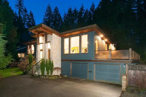 262327027 at 927 Hendecourt Place, Lynn Valley, North Vancouver