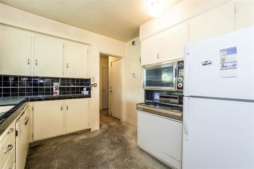 262281757-5 at 1131 West 21st Street, Pemberton Heights, North Vancouver